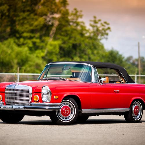 1969 Red Mercedes 280se Cabriolet tapeta
