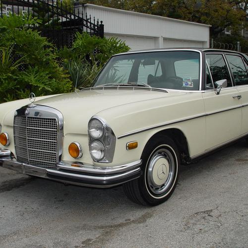 1971 Mercedes Benz 280 Se wallpaper