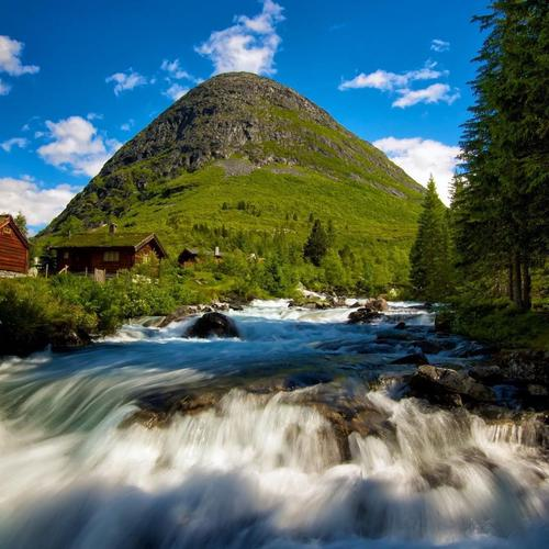 A rapid mountain stream in Norway wallpaper