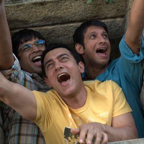 Aamir Sharman en Madhavan in 3 Idiots behang