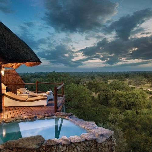 African Game Reserve luxury lodge wallpaper
