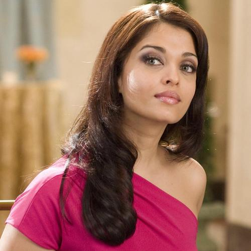 Aishwarya Rai In Pink Top