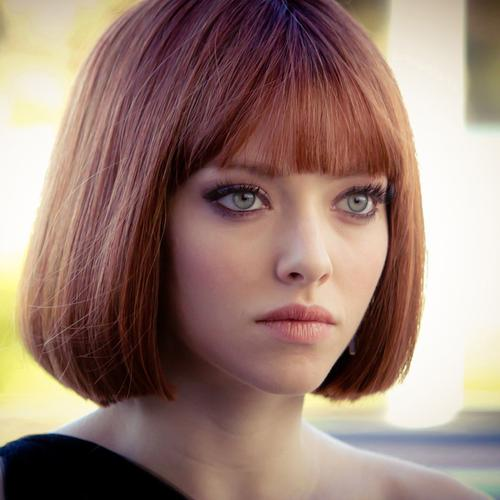 Amanda Seyfried cheveux courts dans le film In Time fonds d