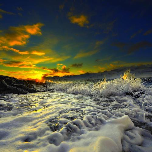 Amazing Dancing Waves At Sunset wallpaper