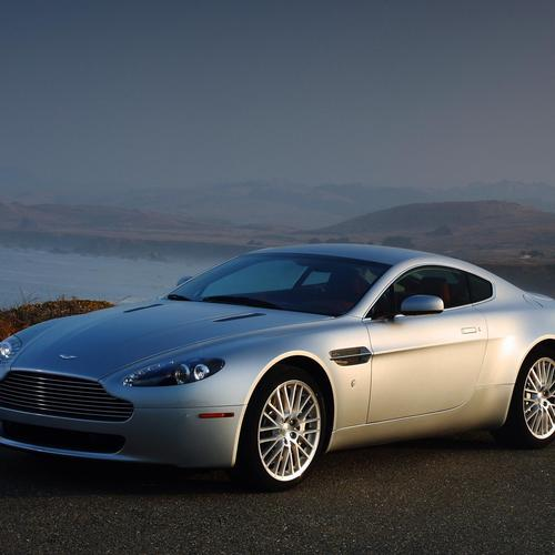 Download Aston Martin V8 silver High quality wallpaper