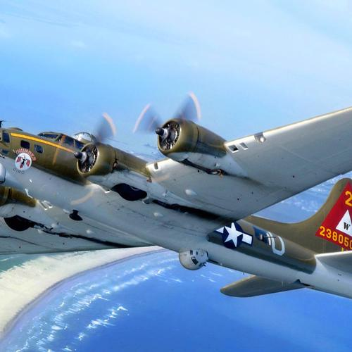 B-17 Thunderbird Of Another Time wallpaper