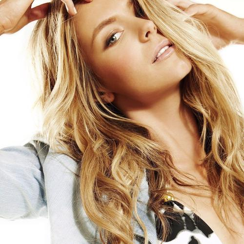 Beautiful Jennifer Hawkins with blonde hair