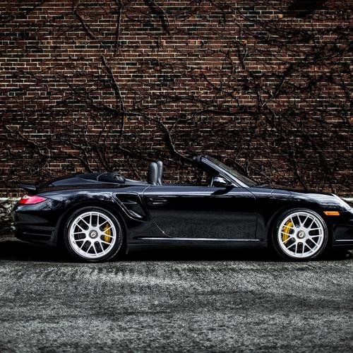 Czarne Porsche 911 Turbo tapeta