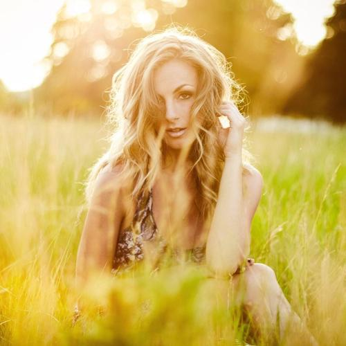 Blonde Field Light