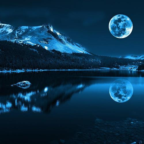 Blue moon over the lake wallpaper