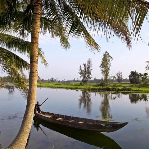 Csónak közelében Hoi An Vietnam háttérkép