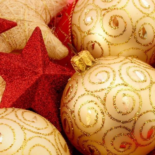Christmas tree decorations items wallpaper