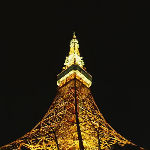 Eiffel Tower in night wallpaper