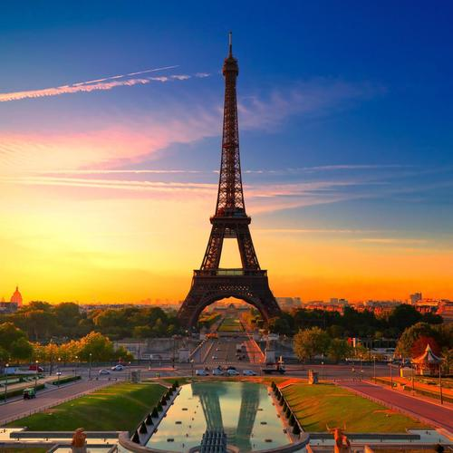 Eiffel tower in sunset
