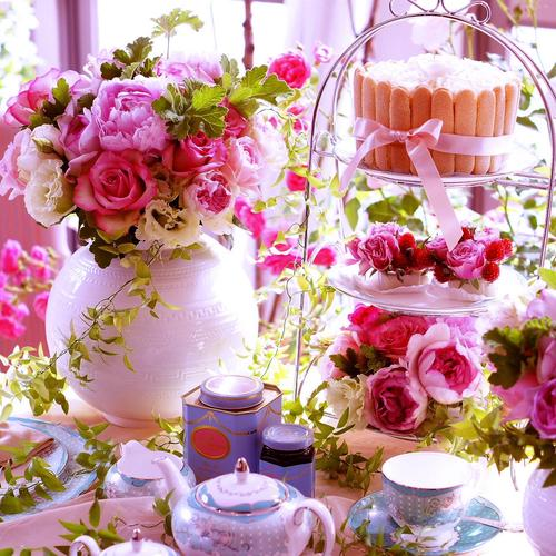 Flowers at pink tea party wallpaper