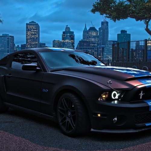 Ford Mustang in night wallpaper