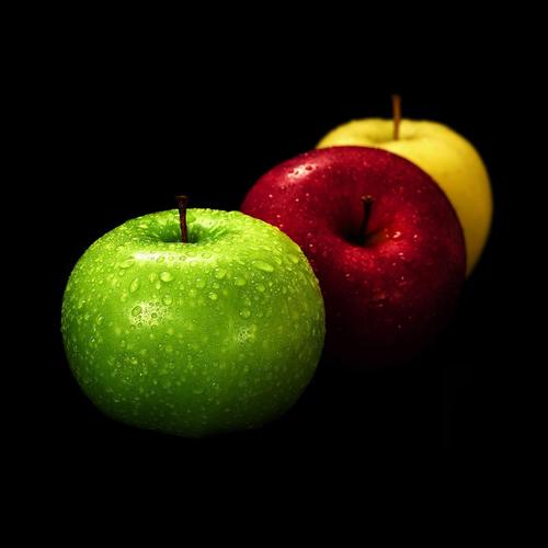 Fresh colorful apples wallpaper