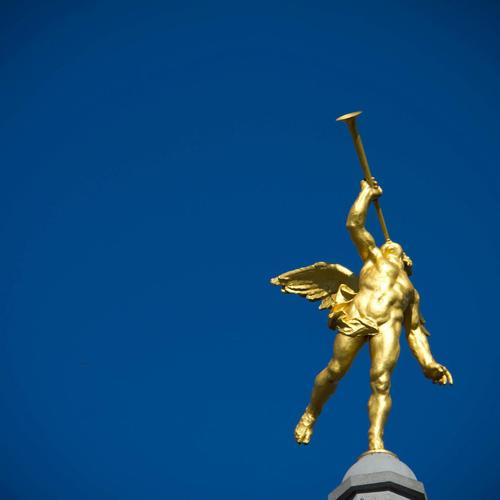 Golden Angel sculpture at Liege - Belgium wallpaper