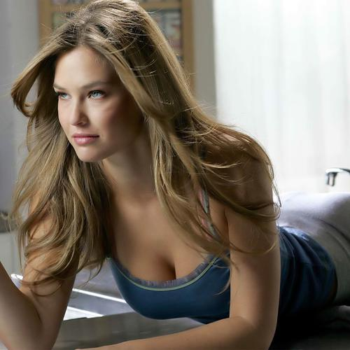 Hot Bar Refaeli lying on the table