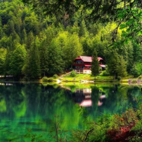 House on the lake paradise HDR wallpaper