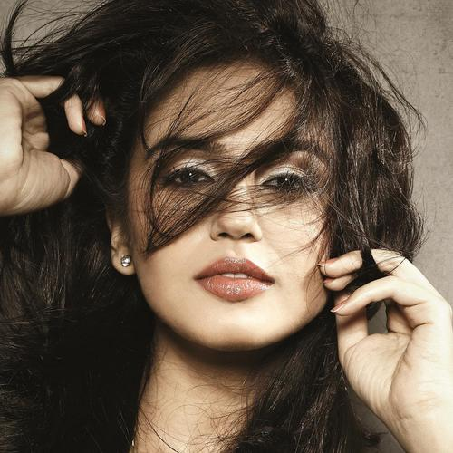 Huma Qureshi portrait, wallpaper