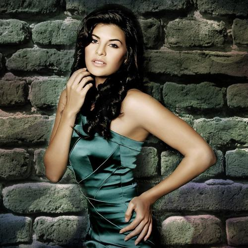 Jacqueline Fernandez in jade dress