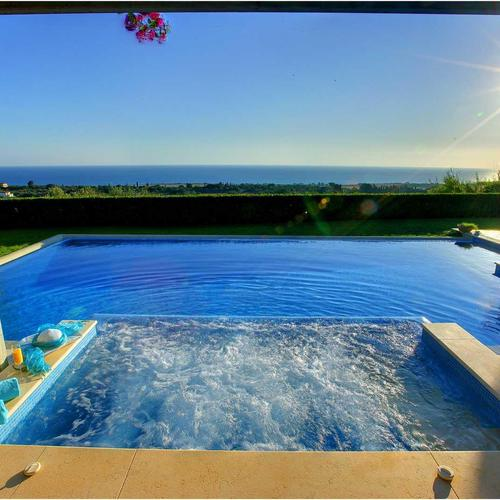 Jacuzzi villa with awesome seaview