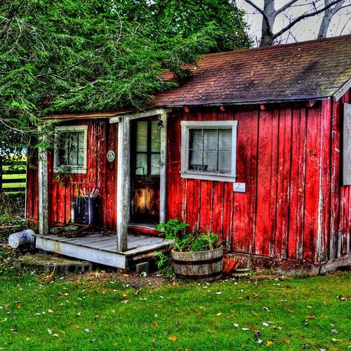 Little Red House In The Country Hdr wallpaper