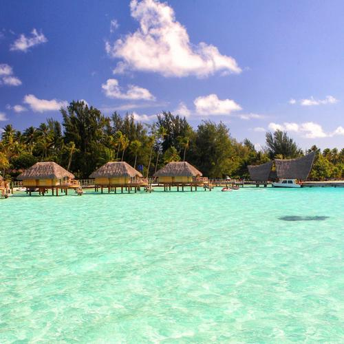 Magnificent Bora Bora Green Blue lagoon wallpaper