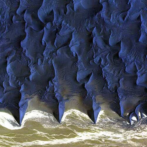 namib desert red earthview pattern blue