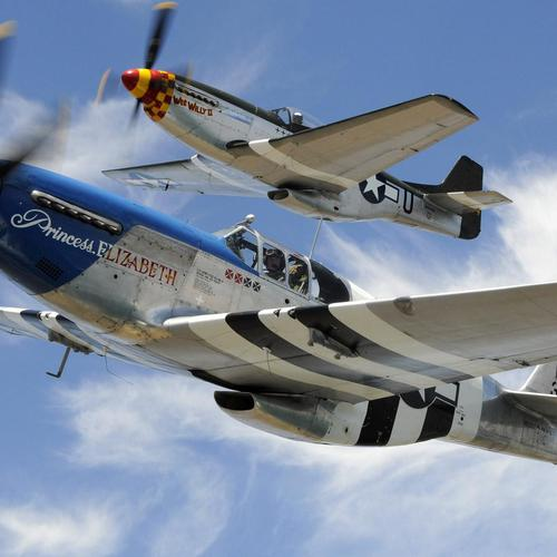 P-51 Mustangs fly tapet