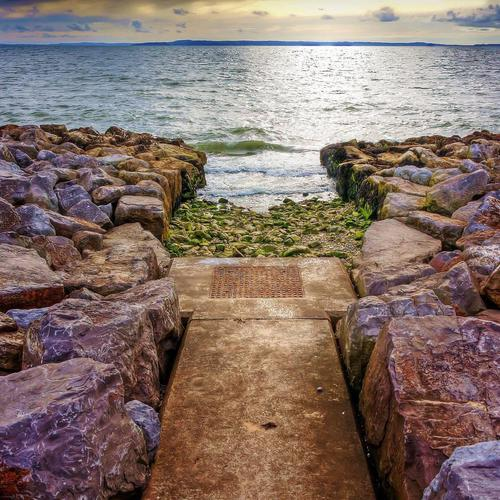 Pathway to the sea wallpaper