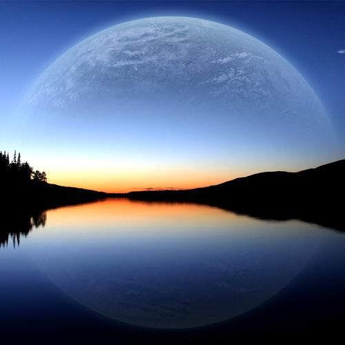 Planet reflection on the lake