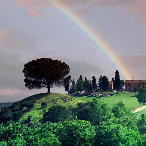Rainbow Over A Tuscan Farm wallpaper