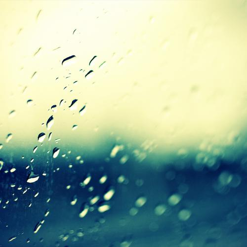 Raindrops on windows wallpaper