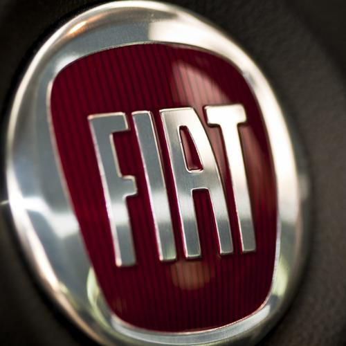 Real Fiat logo wallpaper