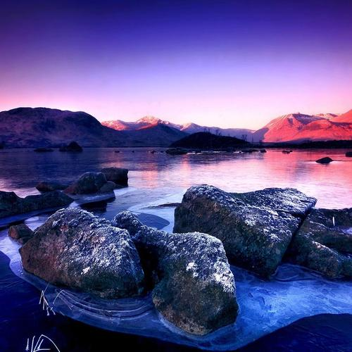 Red blue frozen lake at dawn wallpaper