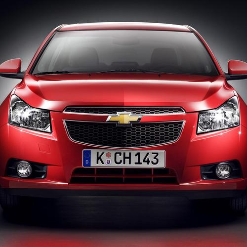 Red Chevrolet Cruze 2013