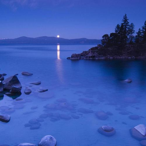 Secret Cove By Moonlight, le lac Tahoe en Californie fonds d