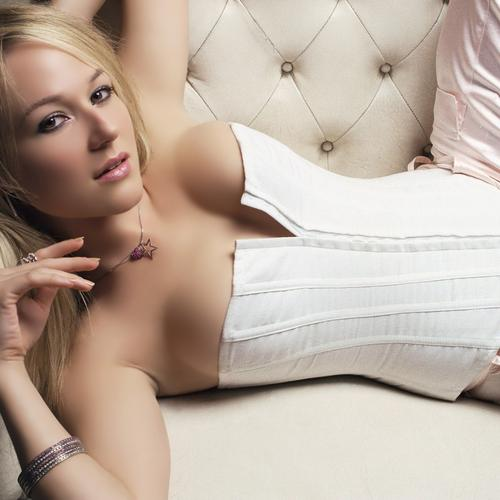 Sexy Jewel Kilcher in bra wallpaper