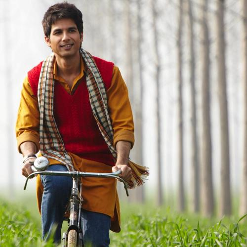 Shahid Kapoor On Bicycle wallpaper
