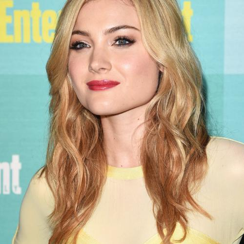 Download Skyler Samuels High quality wallpaper