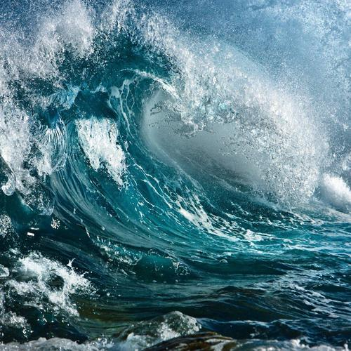 Strong waves at ocean wallpaper