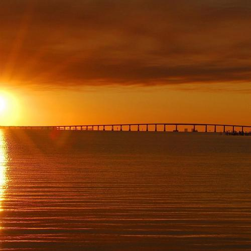 Sun rising over the bridge wallpaper