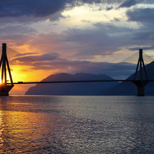 Západ slunce nad Bay Bridge tapeta