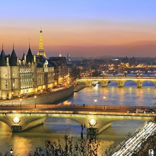 The Beautiful Seine River in Paris wallpaper