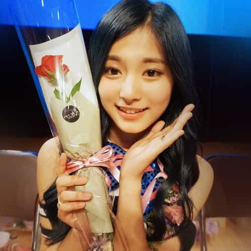 twice kpop girl flower tzuyu fan