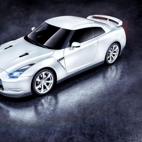 White Nissan GTR wallpaper