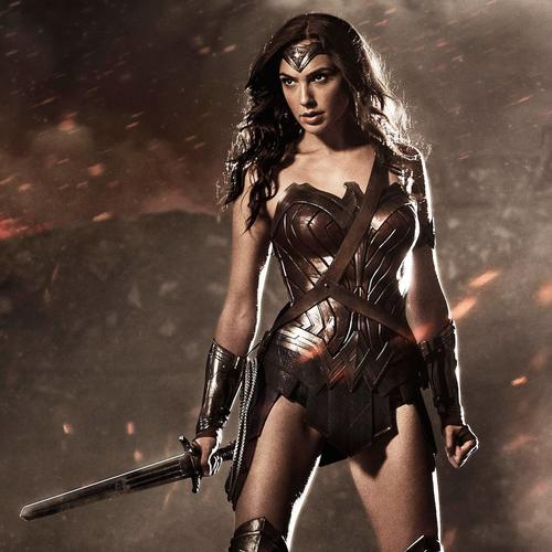 Wonder vrouw in Superman en Batman behang