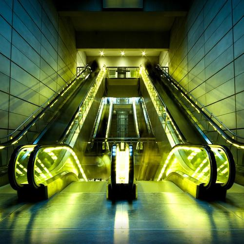 Yellow light escalators